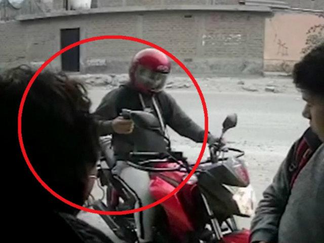 SJL: ladrón armado asalta a familia pero se arrepiente por este motivo