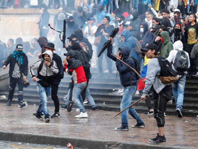 Colombia: manifestantes atacaron edificio del Congreso durante 'Paro Nacional'