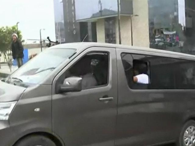 Ejecutivo revisará proyecto para formalizar taxis colectivos, advierte Zeballos