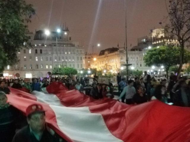 Decenas de personas se congregaron contra liberación de Keiko Fujimori