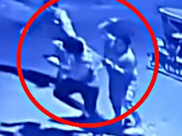 SMP: delincuentes a bordo de una mototaxi asaltan violentamente a padre e hijo