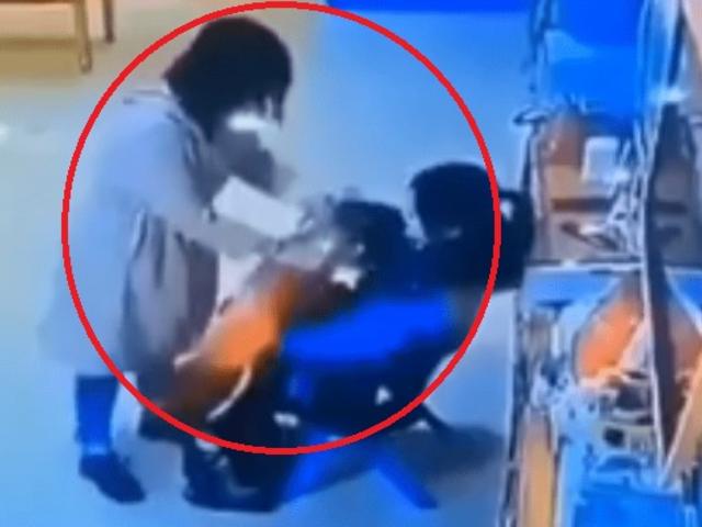 Hombre agrede brutalmente a profesora tras descubrir que golpeaba a su hijo
