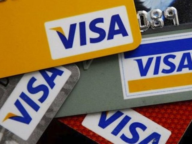 Desconcierto entre usuarios por doble cobro en tarjetas de crédito visa