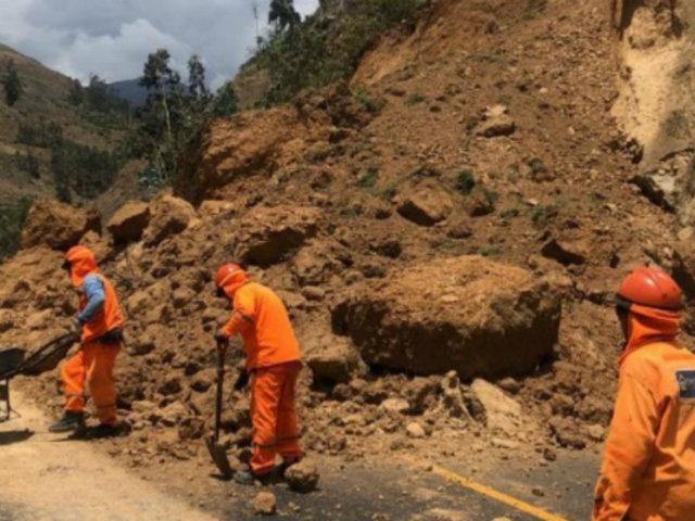 Áncash: deslizamiento de rocas y piedras bloqueó vía de penetración a Huaraz