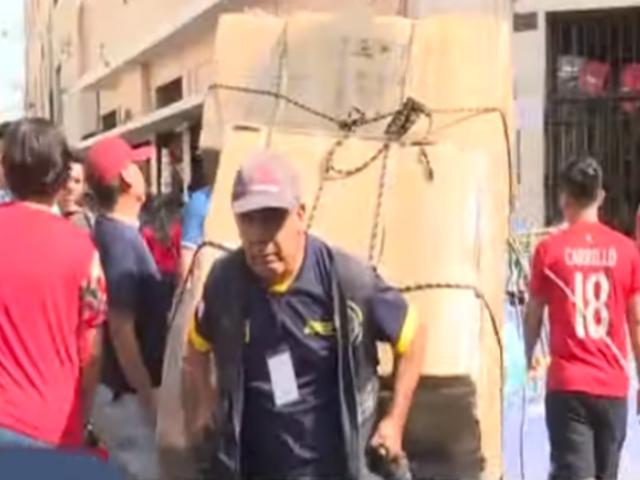 Mesa Redonda: Estibadores protestan por medida de 'Pico y placa' para carretillas