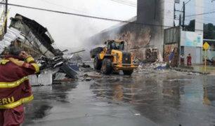 Iquitos: incendio en centro comercial deja tres heridos y un templo dañado
