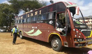 Kenia: terroristas dinamitan bus que transportaba policías