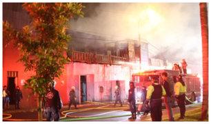 Cercado de Lima: voraz incendio consume almacén de reciclaje