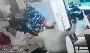 Los Olivos: cámaras captan terrible asalto a restaurante