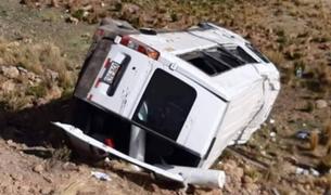 Despiste de miniván deja al menos 8 heridos en vía Juliaca- Arequipa