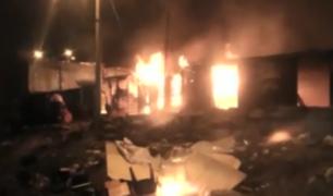 Puno: prenden fuego a cantinas clandestinas tras muerte de un hombre