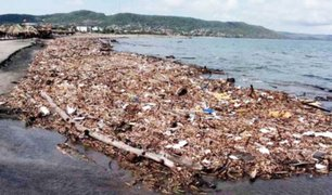 Sudáfrica: toneladas de basura invaden playas de Durban (VIDEO)