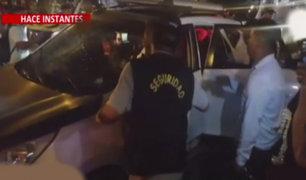 Independencia: agentes de seguridad intervienen a la fuerza vehículo de presuntos delincuentes