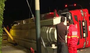 Surco: moderno camión telescópico volcó a poco de ser entregado