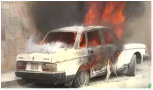 Surco: vehículo explota afuera de colegio y genera pánico