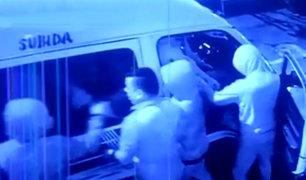 Barrios Altos: delincuentes armados asaltan combi llena de pasajeros