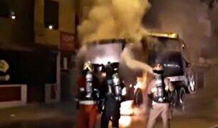 Camión de basura se incendia en plena vía pública