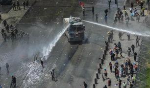 Chile: denuncian uso de soda cáustica en el agua de los cañones antidisturbios