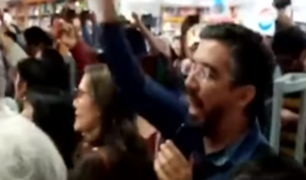 Miraflores: intentan sabotear presentación de libro de Tejada