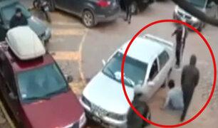 Cusco: cinco ladrones roban a hombre a plena luz del día sin que nadie lo socorra