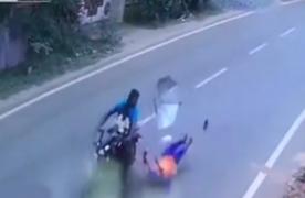India: mujer casi muere por evitar que viento se lleve su sombrilla