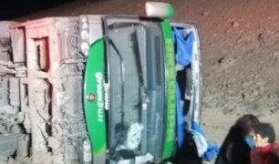 Bus se despista y deja 35 heridos en carretera de Moquegua