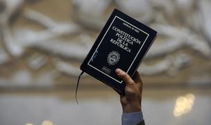 Senado chileno aprobó convocar a plebiscito para cambiar la Constitución