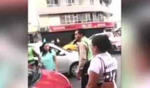 Piura: policía sacó su arma ante taxista que se resistió a intervención