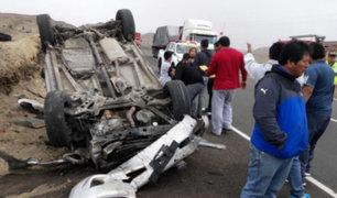 Tres fallecidos deja volcadura de camioneta en La Libertad