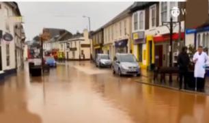 Fuertes lluvias provocaron el cierre de carreteras al sur de Inglaterra
