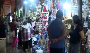 Mesa Redonda: miles van en busca de todo lo necesario para Navidad