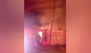 Comas: vivienda se incendia por aparente corto circuito en poste