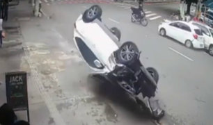 Brasil: presuntos delincuentes huyeron tras protagonizar accidente