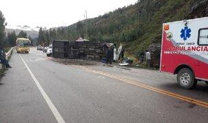 Cusco: bus se despista tras chocar con una roca y deja dos muertos y 20 heridos
