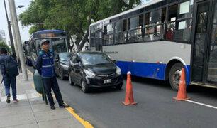Cercado de Lima: presunto colectivero se enfrentó de manera violenta a fiscalizadores