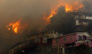 Chile: incendio  forestal consume 150 casas en la ciudad de Valparaíso