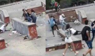 ''Lo van a matar'': brutal golpiza a joven durante fiesta navideña