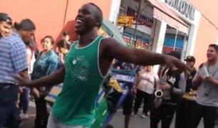 Calles limeñas son ''invadidas'' musicalmente por venezolanos