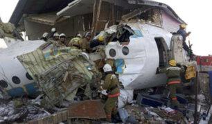 Más de 10  muertos dejó accidente aéreo en Kazajistán