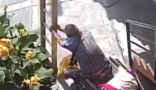 Fiscalía investigará a anciano en silla de ruedas que provocó caída de pintor