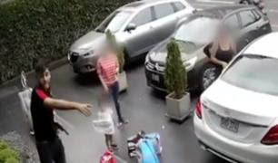 San Isidro: 'raqueteros' armados asaltan a familia en puerta de su edificio