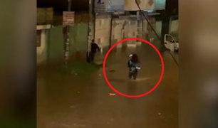 Huancayo: policía de tránsito salva a mujer y evita que muera ahogada