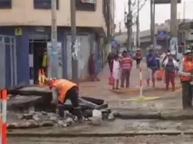 La Victoria: rotura de tubería provocó aniego en zona aledaña a Gamarra