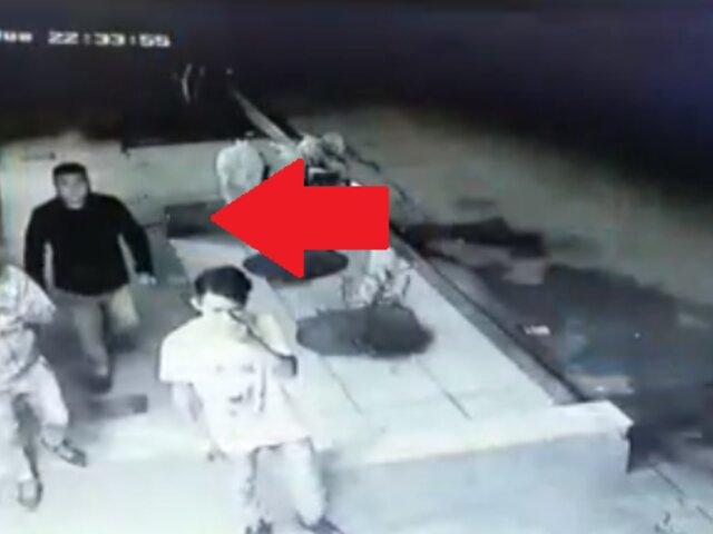 Asalto en 40 segundos: delincuentes desvalijan a comensales y a sus hijos