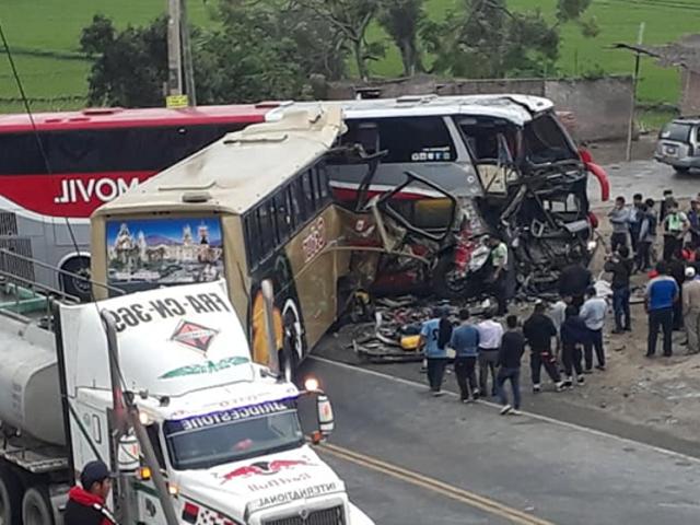 La Libertad: se incrementan a 5 los muertos por choque de buses en Guadalupito