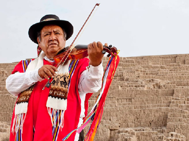 Maestro violinista Andrés 'Chimango' Lares presenta show 'Navidad Andina'