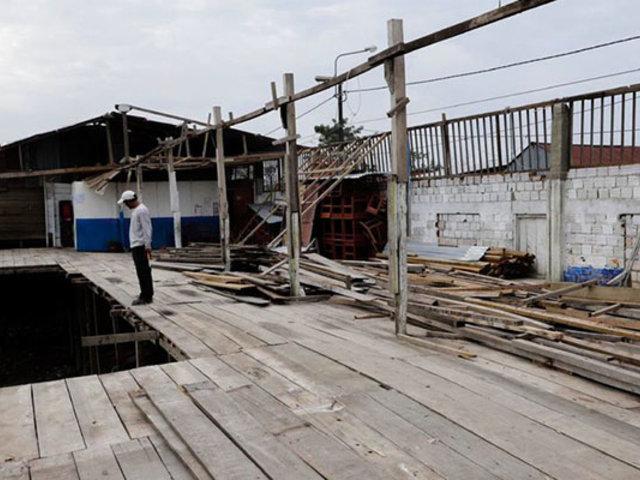 Iquitos: alumnos reciben clases en la calle por mal estado de su escuela