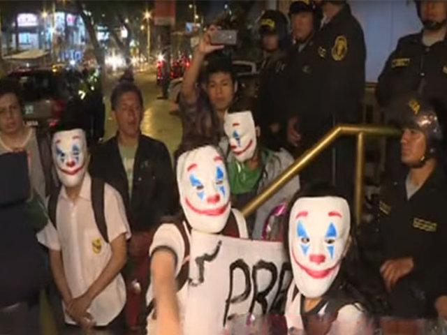 """Colectivo """"Secundaria combativa"""" protesta y expresa sus reclamos"""
