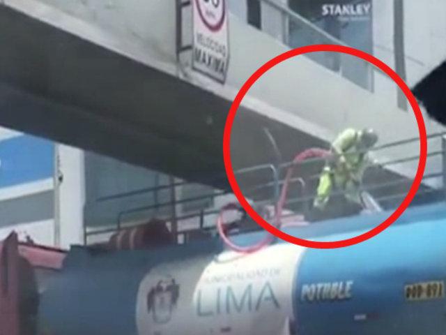 Municipalidad de Lima amonestó a operario que iba sobre camión cisterna sin medida de seguridad