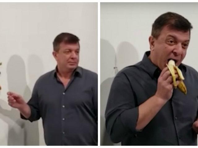 Increíble: plátano valorizado en US$120 mil fue comido por un hombre en feria de arte